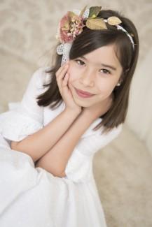 Lucia-24042016-22-natural-comunion-estudio-niña-705x1056