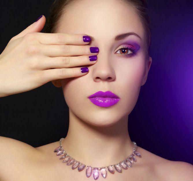 maquillaje-manicura-morado-668xXx80