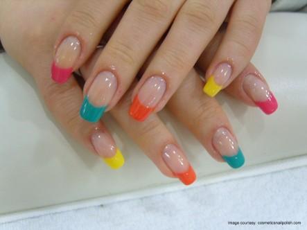 uñas-naturales-con-colores